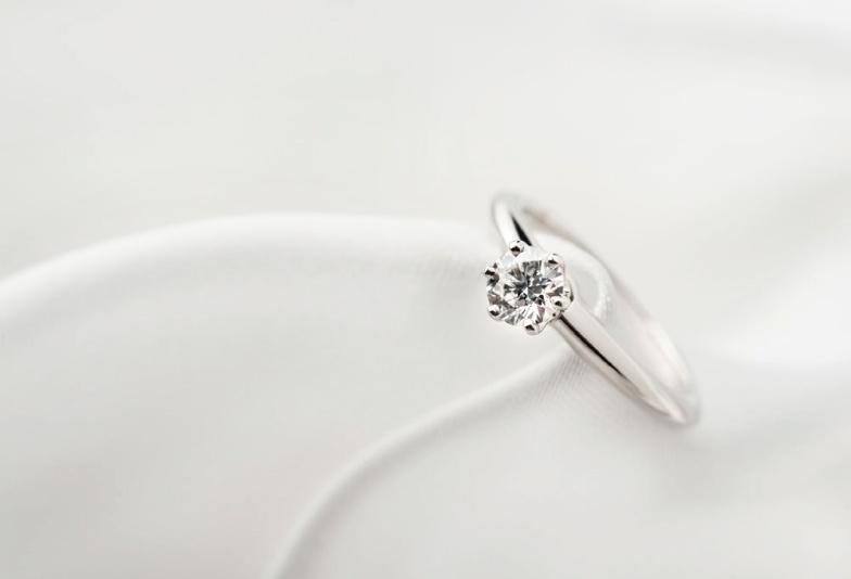 【豊橋市】シンプルで王道な一粒ダイヤの婚約指輪♡人気デザインBEST3