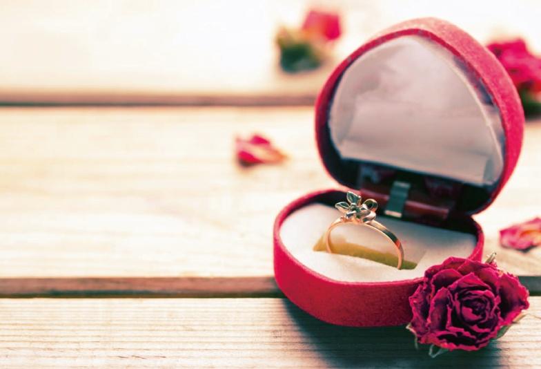 【沖縄県】可愛くてシンプル!お気に入りの婚約指輪の秘密はピンクダイヤモンド