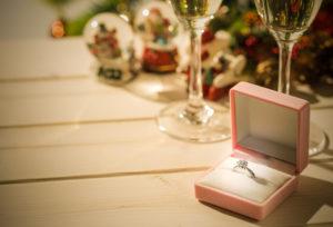 【宇都宮市】婚約指輪は一緒に選ぶ?サプライズで選ぶ?どっちが人気なのか調査