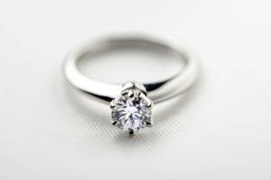 【福岡県久留米市】プロポーズ本当に質の良いダイヤモンドで!!