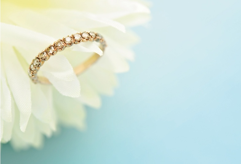 【三重県】個性派カップル必見!ゴールドの結婚指輪