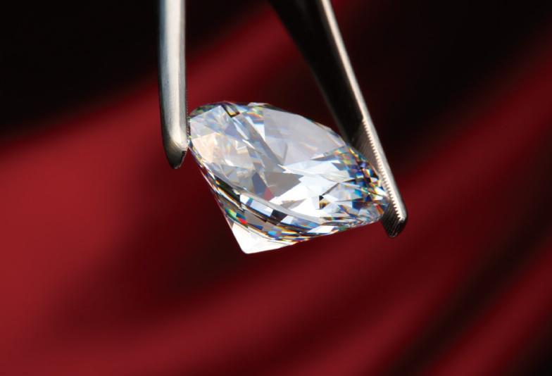【いわき市】なにが違うの?婚約指輪のダイヤモンド選びの基準「4C」