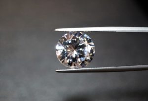 【福井市】婚約指輪を探すなら知っておきたいダイアモンドの「4C」