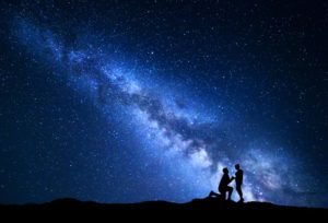 【静岡市】星と桜が見えるダイヤモンド!?女性が喜ぶ美しいダイヤの婚約指輪とは