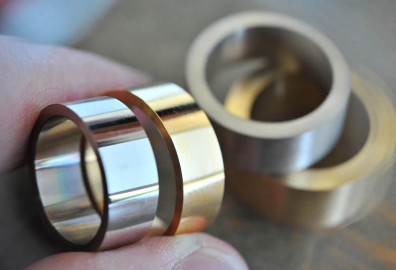 【高知県】細めの結婚指輪には丈夫な鍛造製法がおすすめ!その理由とは