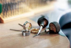 【青森県】細めの結婚指輪には丈夫な鍛造製法がおすすめ!その理由とは