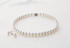 【静岡市】結婚指輪と一緒に真珠を用意する花嫁が多い理由とは?