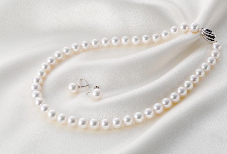 【浜松市】オトナ女子に教える。真珠ネックレスの長さと冠婚葬祭のマナー