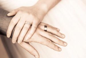 【浜松市】彼女への想いを伝える結婚指輪 幅広結婚指輪が大人気!