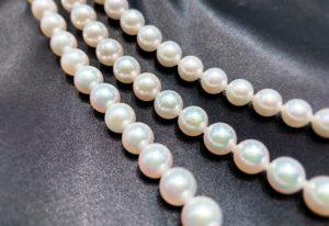 【福井市エルパ】真珠ネックレス!成人式のお祝いの選び方とは?