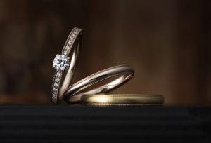 【沖縄県】ゴールド派?おしゃれ女子に人気!CHER LUVの婚約指輪でプロポーズ