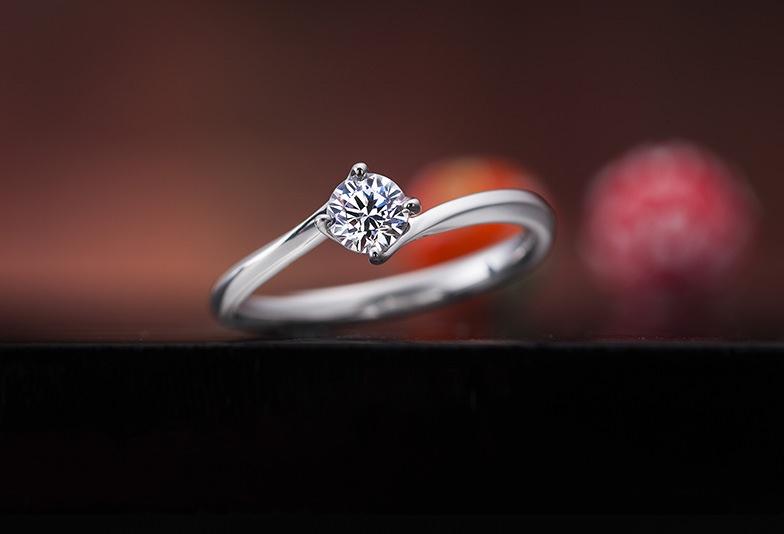 【那覇市】口コミで大人気!和の心感じるシンプルな婚約指輪を選ぶなら!
