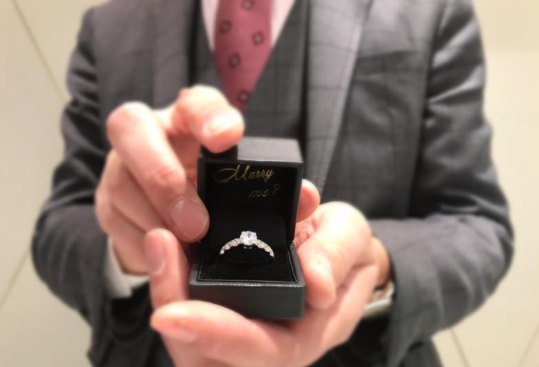 【富山市】サプライズプロポーズの必需品?!婚約指輪の必要性とは?