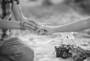 【沖縄県】プロポーズシされて嬉しかったチュエーションとは?オススメはダイヤモンドプロポーズ