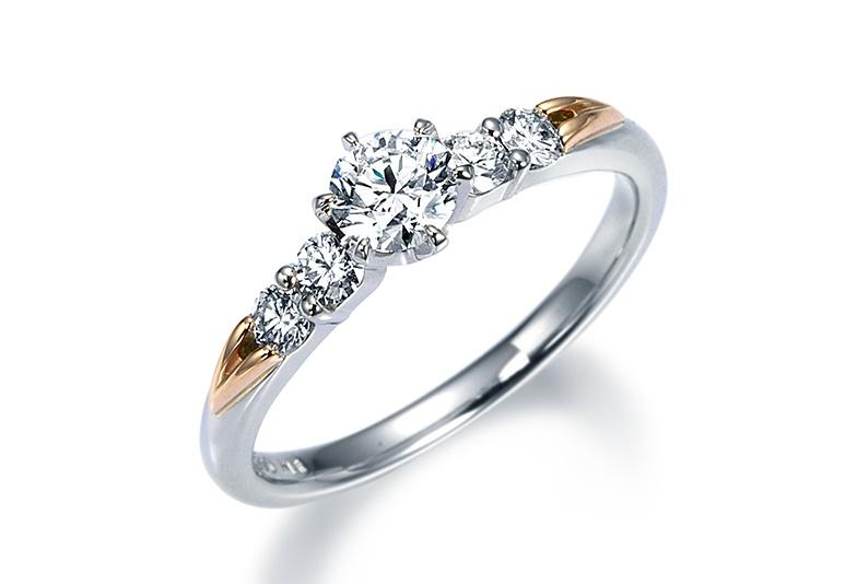 富山で人気のモニッケンダムの婚約指輪