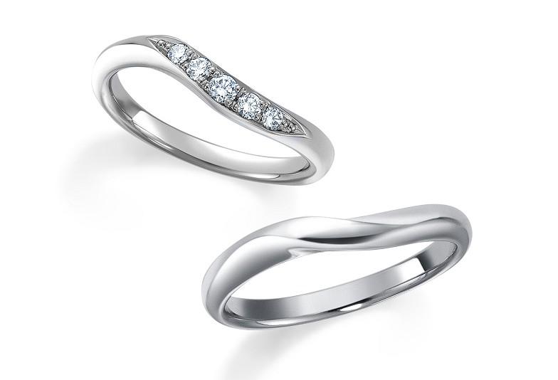富山市人気のウェーブ結婚指輪ロイヤルアッシャー