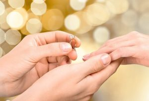 【山形市】プロポーズをする男性の本音!婚約指輪のリアルな悩み『すぐに渡せる婚約指輪』『当日持ち帰れる婚約指輪』のご相談は婚約指輪・結婚指輪専門店へ