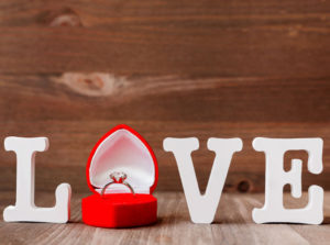【姫路市】上品でクラシカルなデザインが魅力 RosettEの婚約指輪