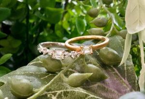 【福島市】自分らしい婚約指輪!透明感のある輝き、エメラルドカットの「オレッキオ」