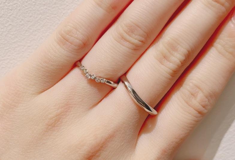【富山市】指を細長く見せてくれる結婚指輪のデザインとは