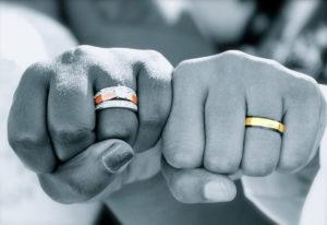 【浜松市】金の価格が高騰中。ゴールドの結婚指輪は今年が買いどき