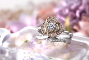 【沖縄県】プロポーズには花モチーフの婚約指輪を贈ろう!花束より喜ばれる Roseabsoluteとは?