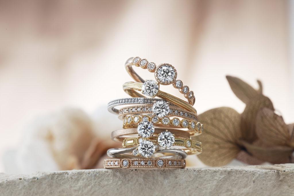 【浜松市】プロポーズ男子必見!口コミからわかる今人気のある婚約指輪のアンティークデザインとは?