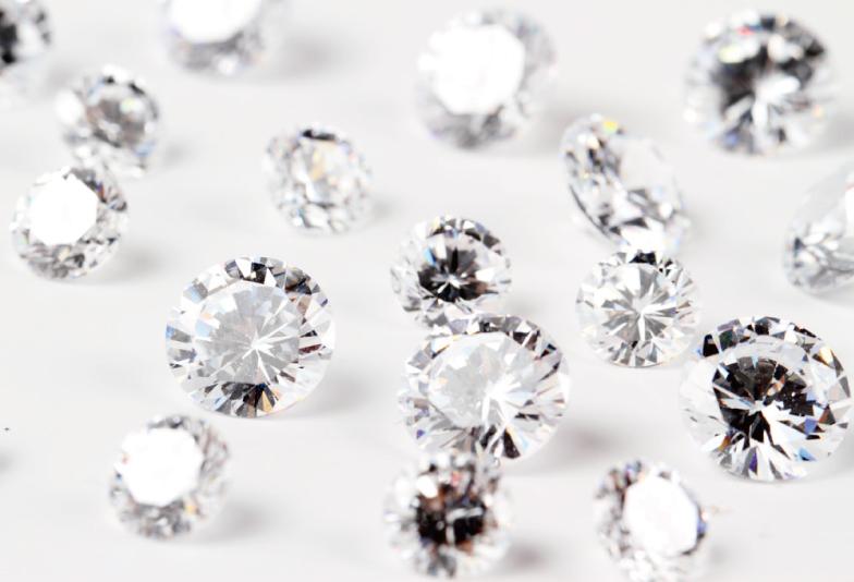 【宇都宮市】世界3大カッター ラザールダイヤモンドの婚約指輪とは?