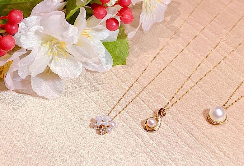 【福井市ベル】春にピッタリ!おしゃれな真珠ネックレスを着けて出かけよう!