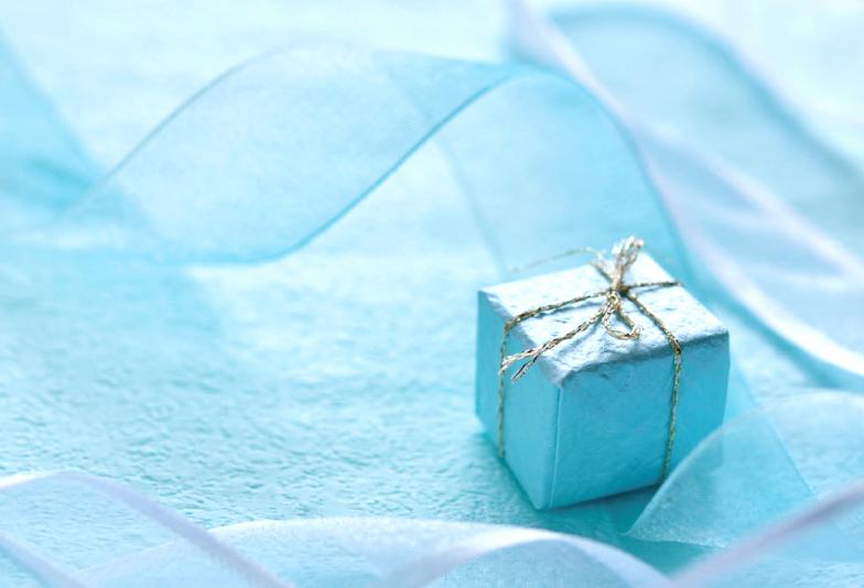 【静岡市】ブルーダイヤモンドの婚約指輪!プロポーズで伝えたいその意味とは