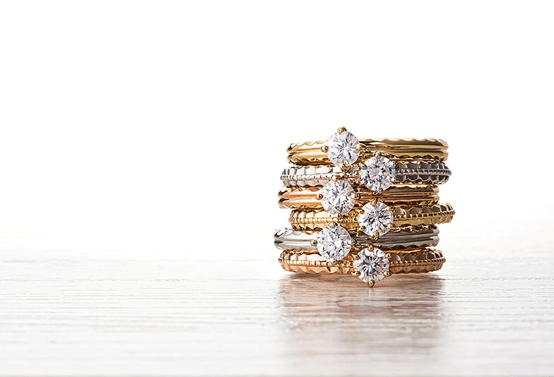 【山形市】婚約指輪でハワイアンジュエリーも選べる!プロポーズにぴったりな彫り模様の素敵な意味合いとは