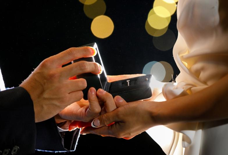【大阪・なんば】プロポーズをお考えの男性様必見!当日お持ち帰りできる婚約指輪ってあるの?
