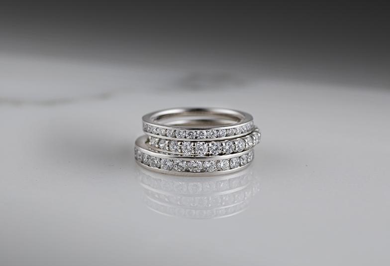 【浜松市】キラキラ好きにはたまらない結婚指輪はエタニティリングで決まり!