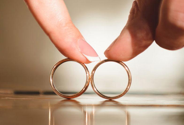 【大阪・岸和田市】結婚指輪って必要?意外と知らない由来と意味をお教えします♪