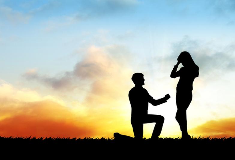 【松本市】プロポーズはネックレスで決まり!指輪との違いを大公開!