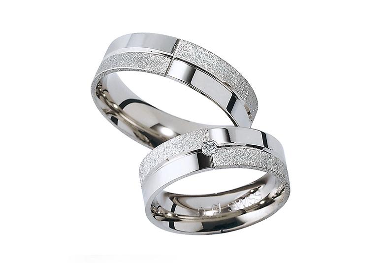 富山市で人気のフラージャコーの結婚指輪