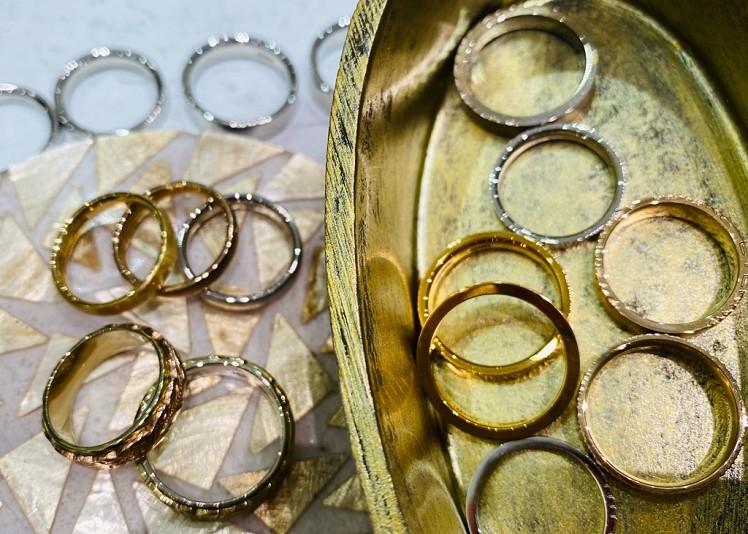 富山市の鍛造製法の結婚指輪