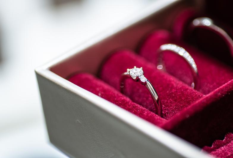 【浜松市】プロポーズをお考えの男性におすすめな婚約指輪。MONNICKENDAM(モニッケンダム)をご紹介!