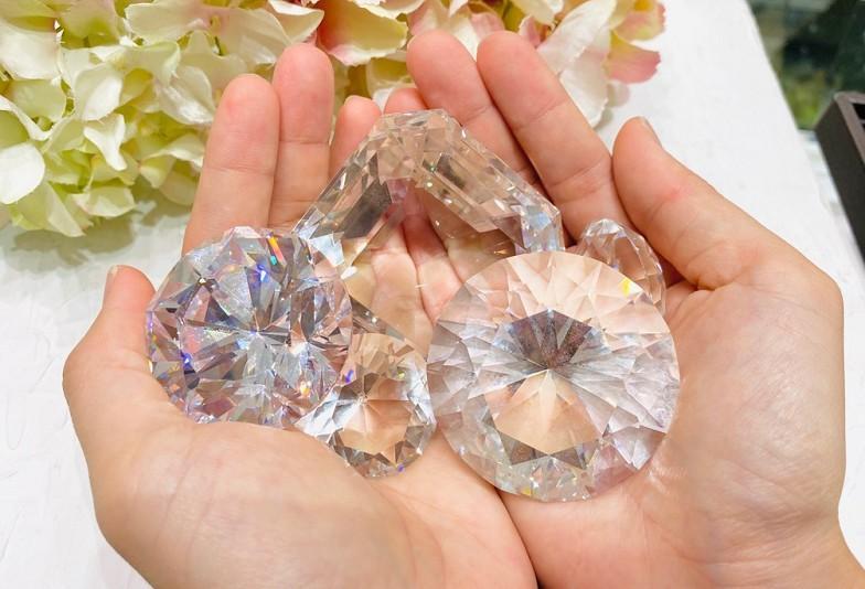 【石川県小松市イオンモール】婚約指輪選び必見!2つの星が浮かび上がるダイヤモンドとは?