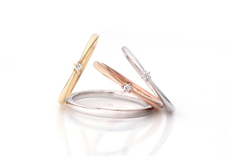 細身のシンプルなデザインは人気の結婚指輪