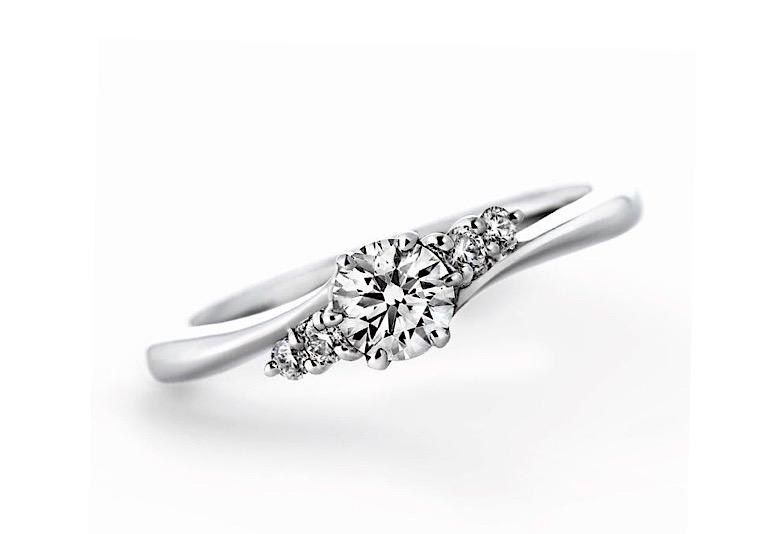 婚約指輪サイドストーン
