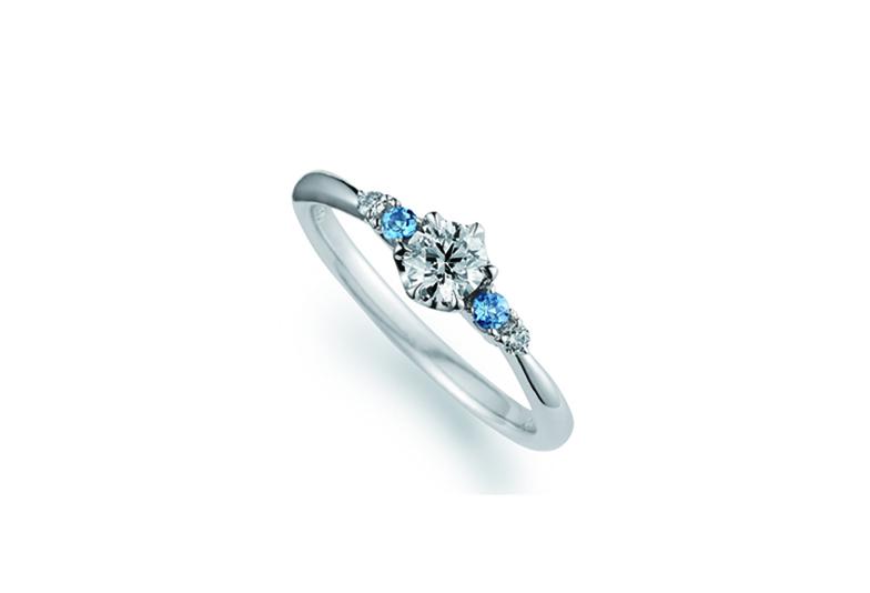 婚約指輪ブルー