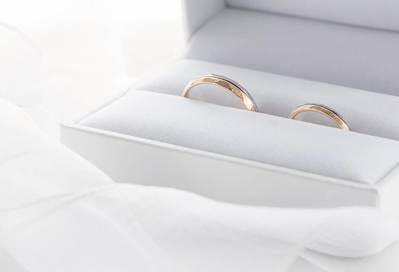 神戸・三ノ宮 おしゃれな結婚指輪 人気のゴールドデザインとは