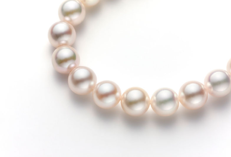 【神奈川県横浜市】彼から彼女へ贈る「真珠のネックレス」!婚約指輪だけではない「婚約記念品」
