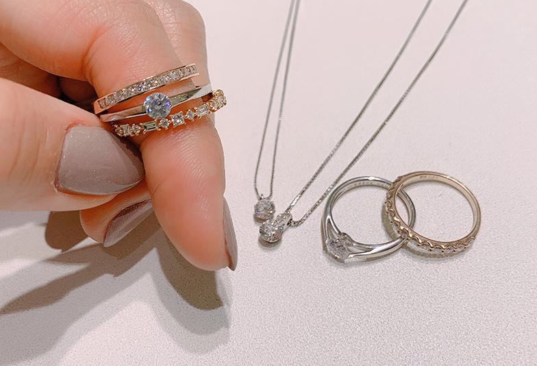 【浜松市】婚約指輪を普段から身に着けたい女性へ贈るなら!おすすめアイテム3選