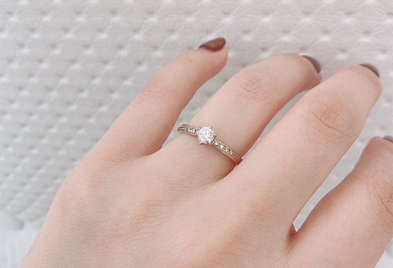 【静岡市】婚約指輪のお返しって必要?あげる人とあげない人の違いとは