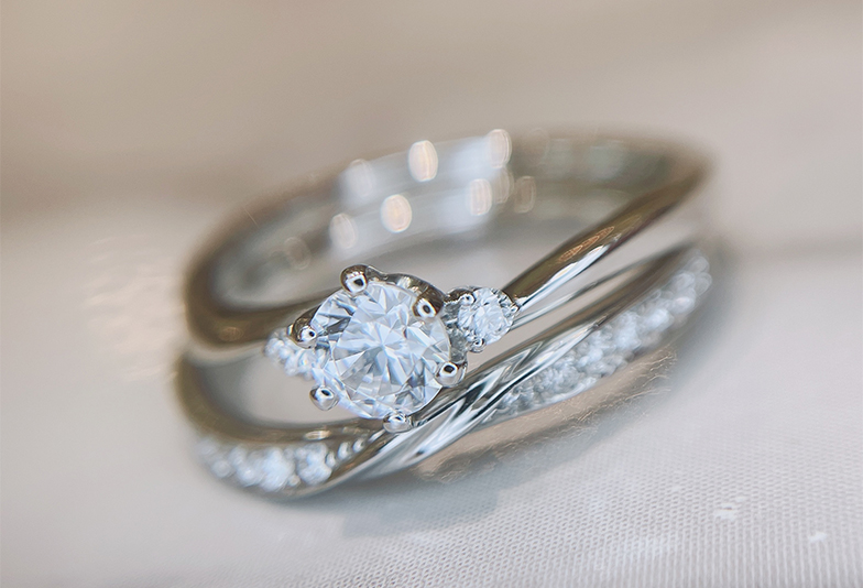 【静岡市】婚約指輪はいつ着ける?意外と知らない着用シーン