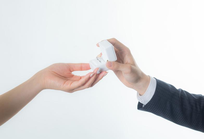 【浜松市】婚約指輪はいつ渡す?用意するベストな4つのタイミングとは