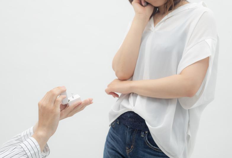 【浜松市】ひとりで選ぶ婚約指輪はリスキー?サプライズも彼女と選ぶも叶うベストな方法とは