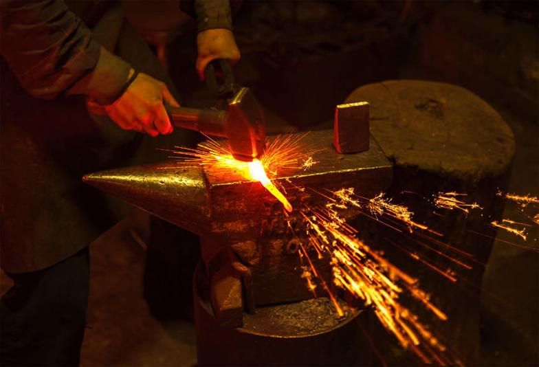 【福岡県久留米市】鋳造法と鍛造法の違いとは?